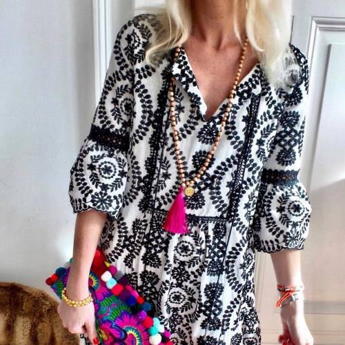 Anna Mavridis in Black Kaftan